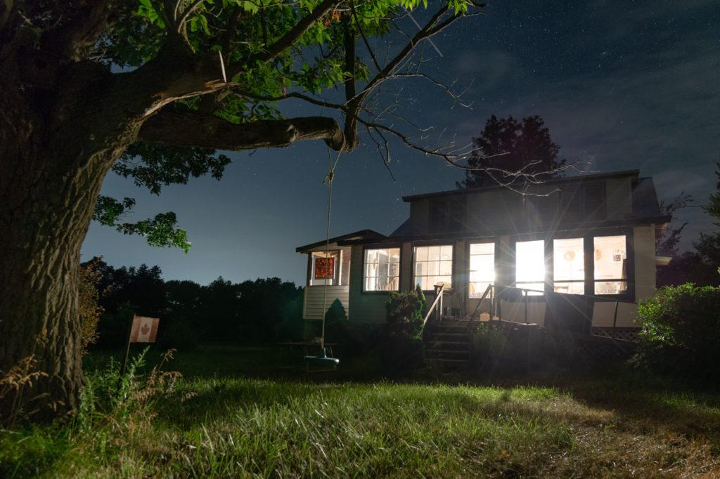 Das Cottage bei Nacht